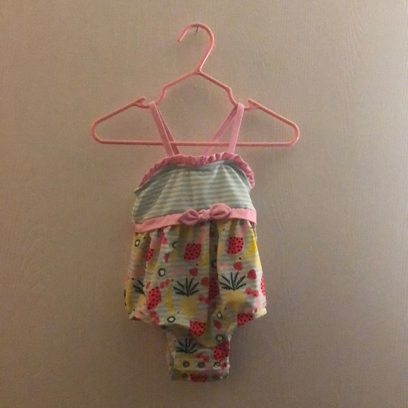 NWOT Cat And Jack Baby Girl Fruit Print One Piece Swim Suit Pink//White 6-9M